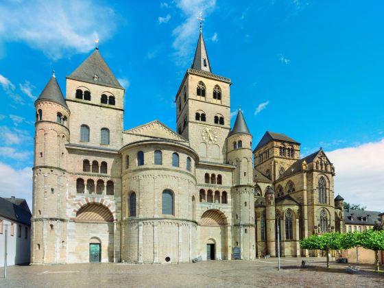 特里爾主教座堂?