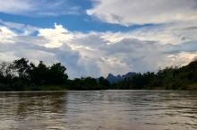 据说,老挝万荣的热气球是最全球第二便宜,每天都有好多人好多人