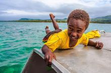 大海中心的孩子,关于PELE的故事