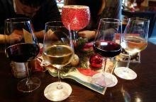 去雷司令葡萄酒的产地吕德斯海姆的酒巷——画眉巷品尝葡萄酒