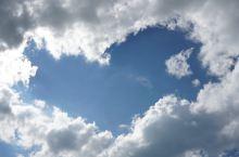 爱上边疆的云