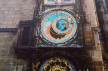 据说布拉格老城的钟世界最美,国王为此刺瞎了设计师的眼睛。