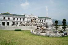 新长春园——夏苑 新长春园是横店圆明新园内最风情浪漫的一个园区。它以北京圆明园盛时长春园为蓝本。园内
