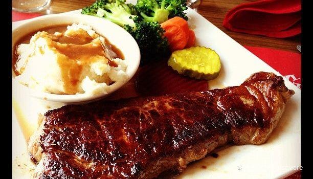 Red Viking Restaurant2