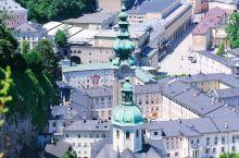 萨尔斯堡攻略 | 登高远望在城堡之上沉醉在巴洛克的风情里 登上萨尔茨堡城堡上,一侧可以一览阿尔卑斯山