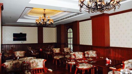 Restaurant De'licious at Hotel Royale de Casa