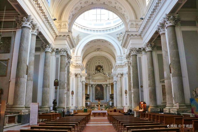 Basilica dell'Annunziata Maggiore1