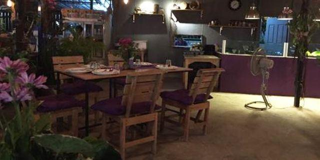 MAYs Urban Thai Dine2
