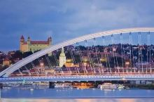 多瑙河上的中国桥