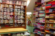 1,La Victoire  探索传统布艺制作的专卖店,源于印度的花纹图案开始在普罗旺斯流行,在艾克