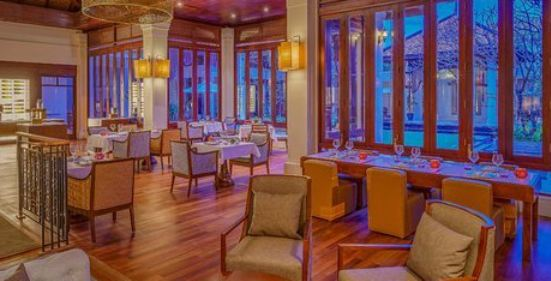 Chi Restaurant & Bar