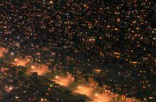 到色达佛学院一定要去看一次夜景