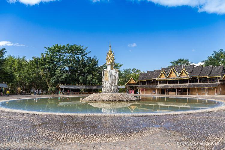 Xishuangbanna Dai Minority Park3