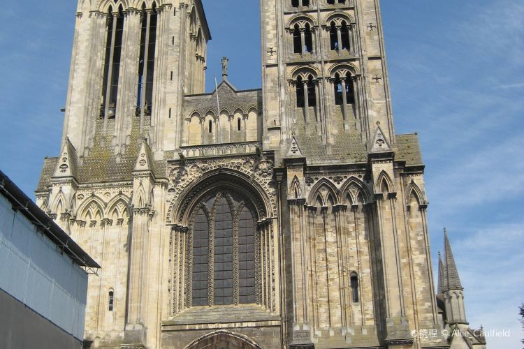 Cathedrale St-Pierre3