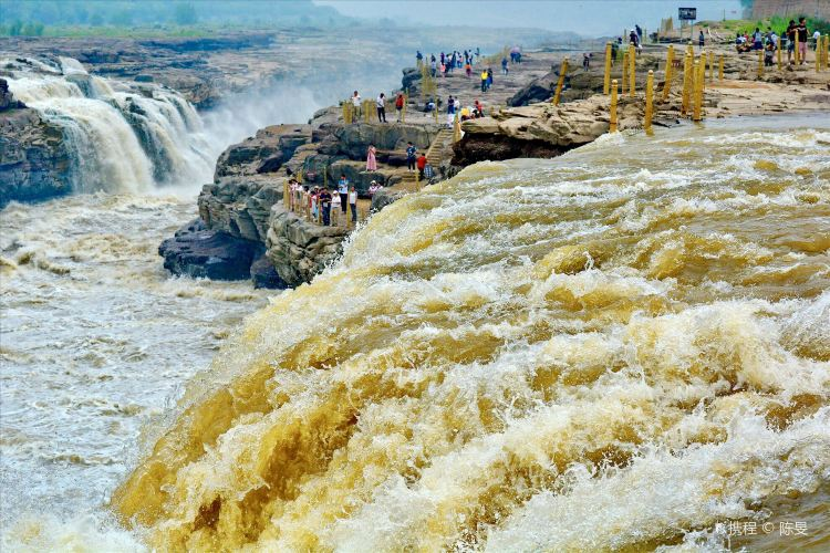 Hukou Waterfall1