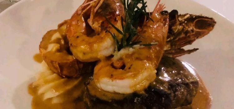 Omeros Bros Seafood Restaurant1