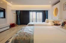 值得一去的酒店——开封汴京·兰台精品酒店  酒店客房都由名家设计,布置完善细致;设施齐备高档;风格典