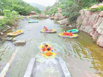 Rafting at Lianqing Mountain