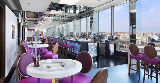 Cloud 9 Sky Bar & Lounge3