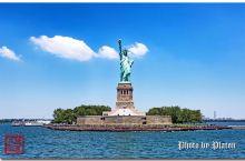 """在美国纽约乘坐游船,近距离观赏""""自由女神""""像"""