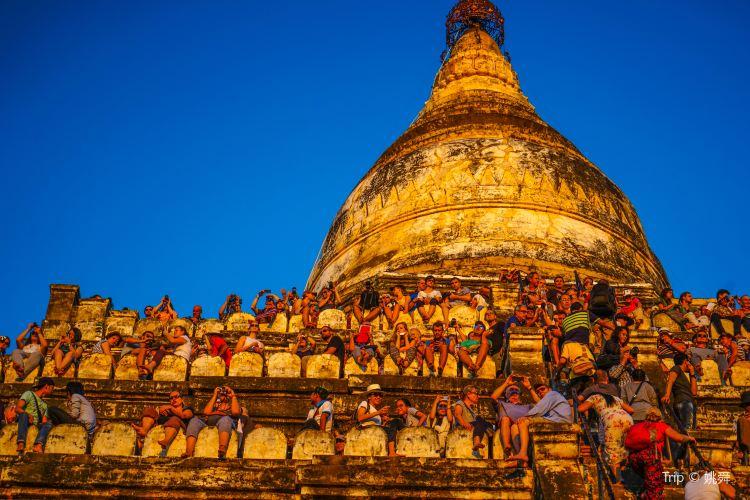Shwesandaw Pagoda1