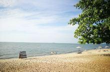 烈日下的沙滩