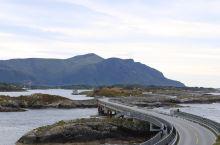 今天是在挪威的倒数第二天,我们今晚要去特隆赫姆过一夜,明天飞冰岛。今天会路过传说中的大西洋之路。
