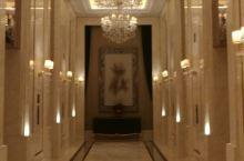 酒店大堂還是氣派的
