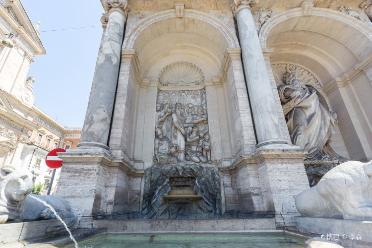 Moses Fountain3