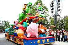 """上海迪士尼乐园新园区""""玩具总动员""""盛大开幕,和胡迪、巴斯光年一起忆童年"""