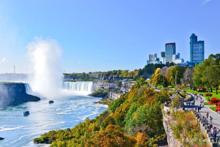 Niagara Falls, Canada3