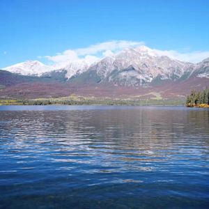 金字塔湖旅游景点攻略图