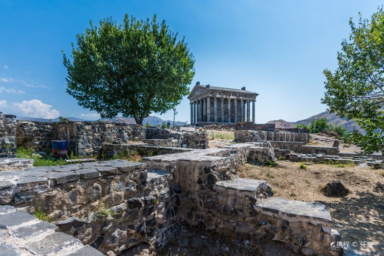 Garni Temple2