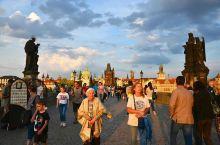 我就站在布拉格黄昏的查理大桥(8)