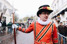 圣诞节周末,在荷兰代芬特尔,与900多个小说人物会面
