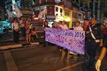 马来西亚古晋:万人圣诞花车巡游 在砂拉越州府古晋最后一夜,遇见一年一度的全市总计64个基督教、天主教