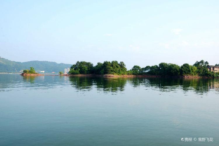 Thousand Island Lake, Central Lake Area3