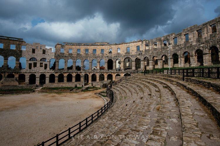 Amphitheatre de Pula4