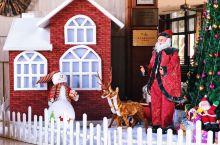 充满圣诞气息的三亚维景酒店
