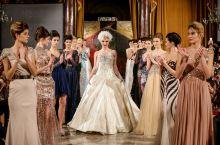 时装秀看多了,皇室贵族的高配版时装秀,你看过吗?