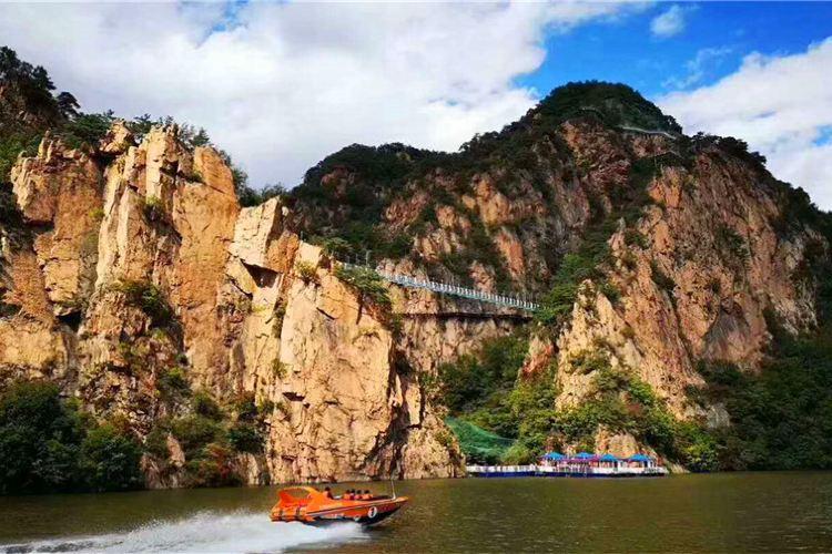 Huguxia Scenic Area2