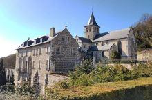 带你走进不朽的修道院 —— 格拉维尔修道院  各国各地的景点有很多,我走过了日本的净妙寺,看过了哥特
