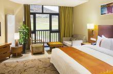 值得一去的酒店——长白山万达假日度假酒店  早餐还不错,房间也算干净,度假区环境优美,长白山的温度舒