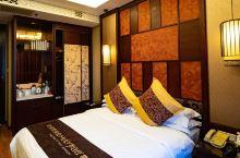 值得一去的酒店——曲阜东方儒家花园酒店  酒店环境非常好,早餐丰富,花园环境优雅,百花盛开,特别是海