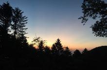 一山横隔甲州、武州、信州 - 甲武信岳的日出
