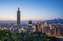 象山夜眺台北101大楼