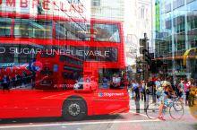 """伦敦市街 我出门前有个习惯,在我身上的东西  总要被我默默地""""数落""""一遍, 1..2..3..4.."""
