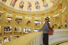 Hey,Macau,好久不见! 这次是为了过来看看巴黎人,真的不错逛诶~ 新马路感觉已经衰败了,除了