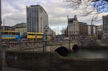 爱尔兰都柏林的母亲河一一利菲河