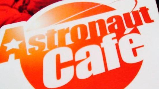 Astronaut'Café